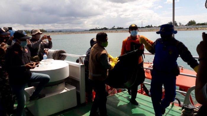 Penumpang Kapal Lihat Ada Mayat Mengapung di Laut, Ternyata Nelayan yang Sempat Dilaporkan Hilang