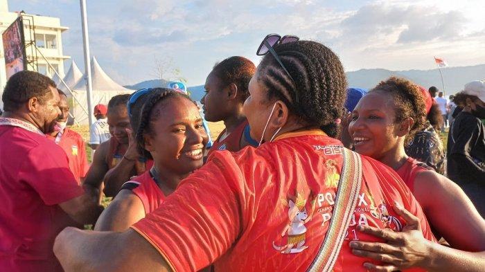 Tim Dayung Putri Papua Sukses Persembahkan Emas Bagi Kontingen Papua di Traditional Boat Race