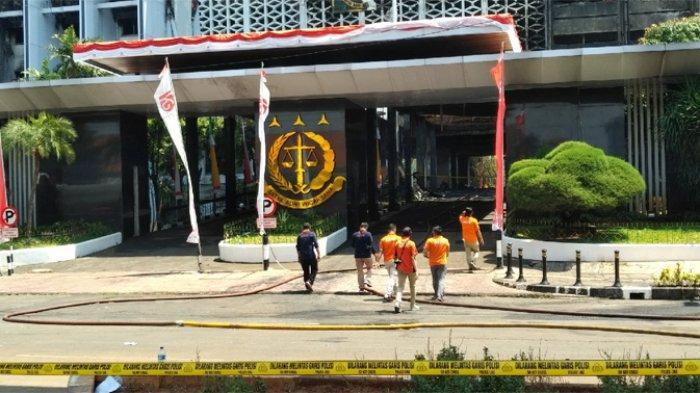 Tim Inafis Polda Metro Jaya Selidiki Kasus Kebakaran Gedung Kejaksaan Agung RI