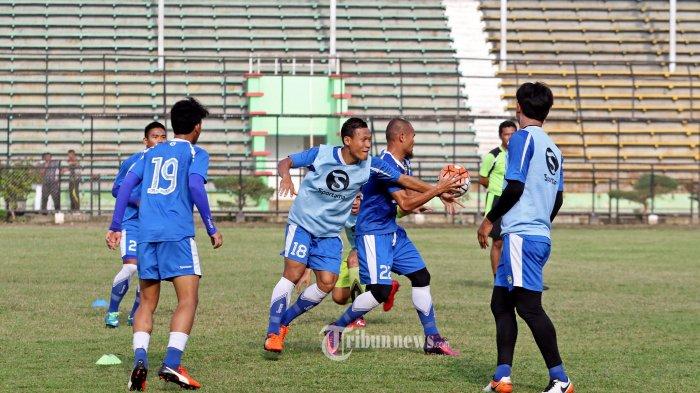 Michael Essien Tak Jadi Latihan, Sore Tadi