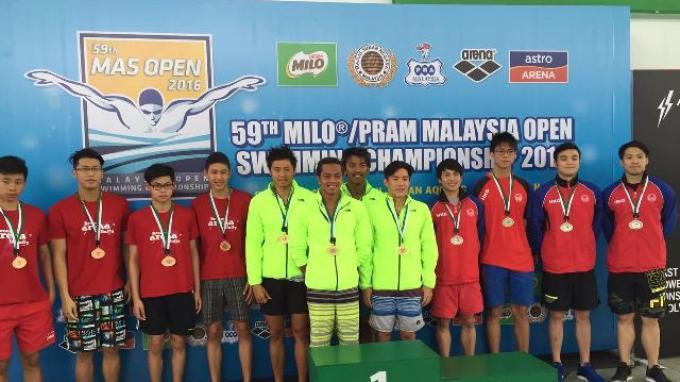Tim Renang Indonesia Juara Umum di Kejuaraan Renang Malaysia Terbuka 2016