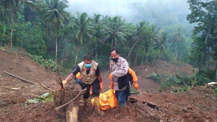 Upaya Pencarian Dua Korban yang Tertimbun Longsor di Kebumen Terkendala Cuaca