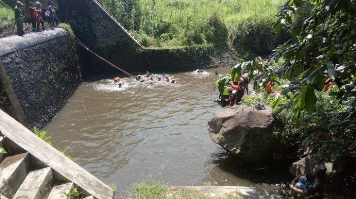 Tim SAR Gabungan berhasil menemukan satu korban di Dam/Bendungan Lengkong pada Sabtu (22/2/2020) pukul 10.15 WIB.