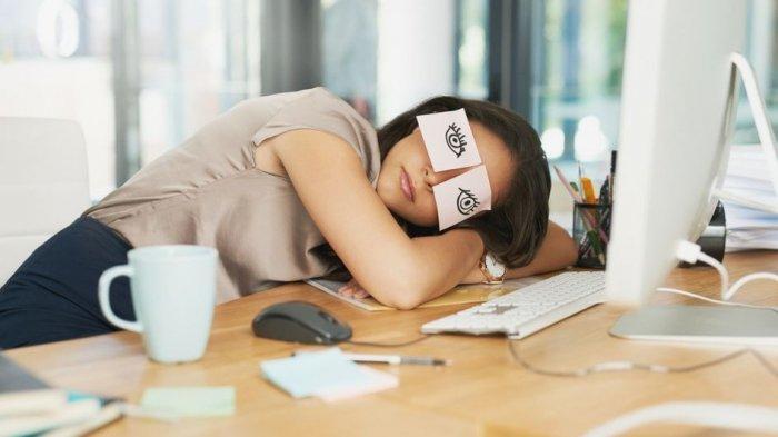 Mengenal Power Nap, Apakah Praktiknya Sama dengan Tidur Siang Biasa?