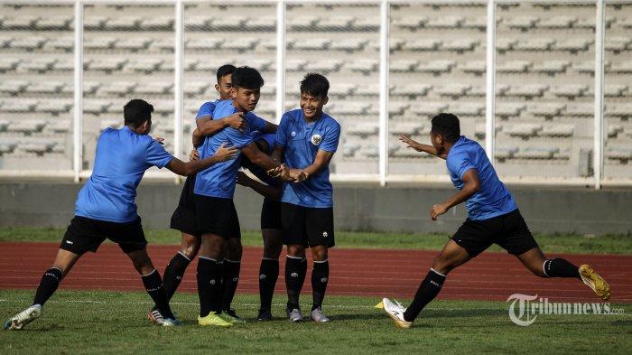 Timnas Indonesia U19 berlatih di Stadion Madya, Jakarta, Kamis (20/8/2020). Timnas Indonesia U19 dijadwalkan akan melakukan pemusatan latihan di Kroasia akhir bulan ini, untuk menghadapi kejuaraan AFC Cup Uzbekistan U19 Oktober mendatang. TRIBUNNEWS/HO/PSSI