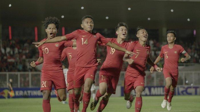 Timnas U-19 Indonesia saat menghadapi Timnas U-19 Timor Leste pada laga perdana Kualifikasi Piala Asia U-19 2020 di Stadion Madya, Jakarta, Rabu (6/11/2019) malam WIB.