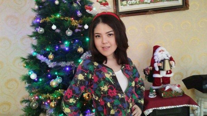 Perayaan Natal Keluarga Tina Toonita, Sederhana, Murah Meriah dan Nggak Heboh
