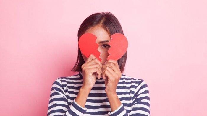 Jangan Ditunda, Ini 4 Tips Move On Meski Masih Sayang sama Mantan