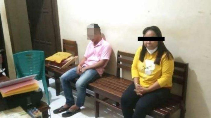 Pelaku penipuan lewat jejaring Facebook, HER (kanan) diamankan di Mapolsek Wara Selatan.