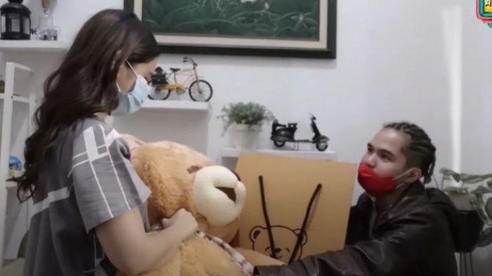 Tissa Biani dan Dul Jaelani dalam YouTube Maia AlElDUL TV