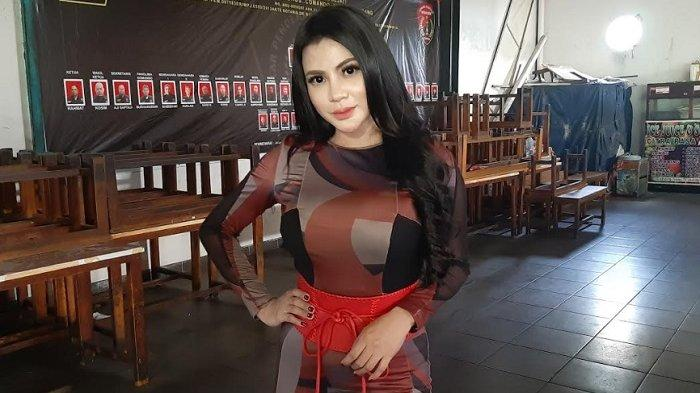 Tisya Erni ketika ditemui di kawasan Tendean, Mampang Prapatan, Jakarta Selatan, Selasa (20/4/2021) - Dikabarkan sempat dekat dengan komedian Sule, begini pengakuan Tisya Erni.