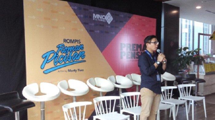 Direktur MNC Pictures, Titan Hermawan saat memberikan pemaparannya dalam konferensi pers di MNC Center, Jakarta, Jum'at (6/4/2018).