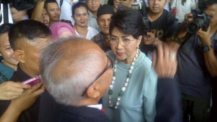 Ingin Lihat Sahabat Lama, Titiek Puspa Hadiri Persidangan OC Kaligis