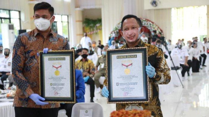 Mendagri 'Tantang' Kepala Daerah Lakukan Gerakan Bagi-bagi Masker