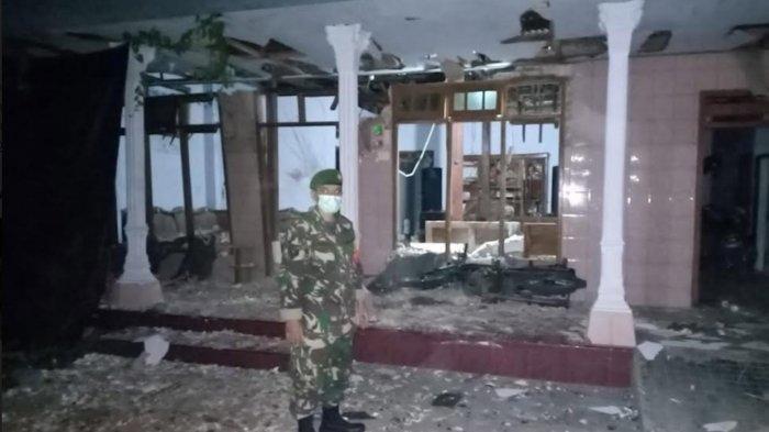 Lokasi rumah korban Muhammad Nadif korban yang tewas karena ledakan mercon atau petasan di Desa Tanjung Kecamatan Pagu Kabupaten Kediri Rabu (12/5/2021).