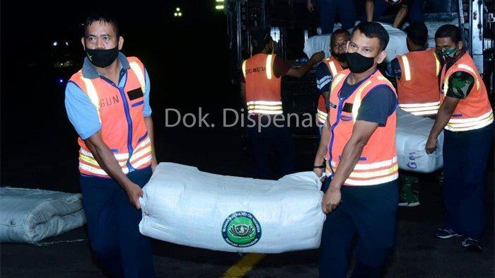 TNI AU Terbangkan Personel Paskhas, Bawa Alutsista Bantu Tangani Korban Banjir Kalsel