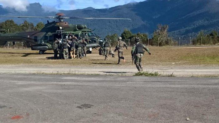 Empat Anggota TNI Jadi Korban Penembakan KKB di Pegunungan Bintang