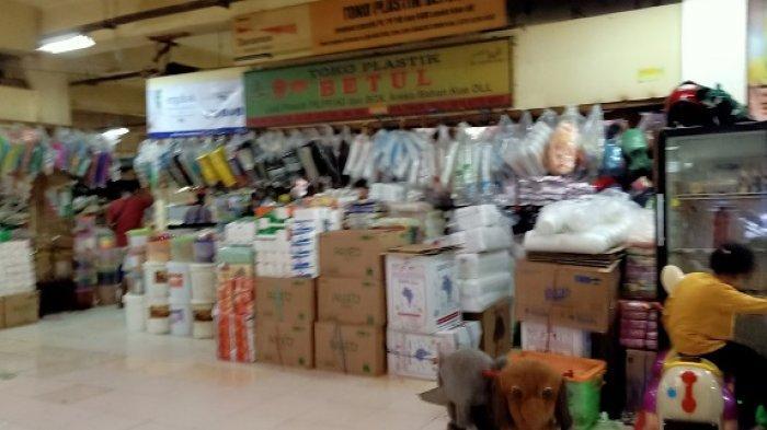 Penjual Kantong Plastik Keluhkan Menurunnya Pembeli Setelah Pergub DKI 142/2019 Terbit