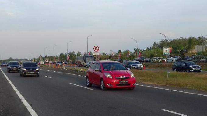 Sore Tadi, Polisi Kembali Terapkan Kebijakan One Way di Tol Cipali