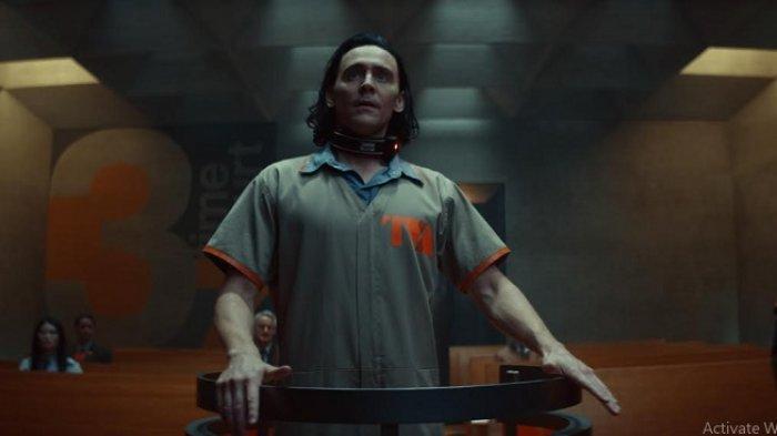 Tom Hiddleston Beruntung Bisa Perankan Karakter Loki hingga 10 Tahun