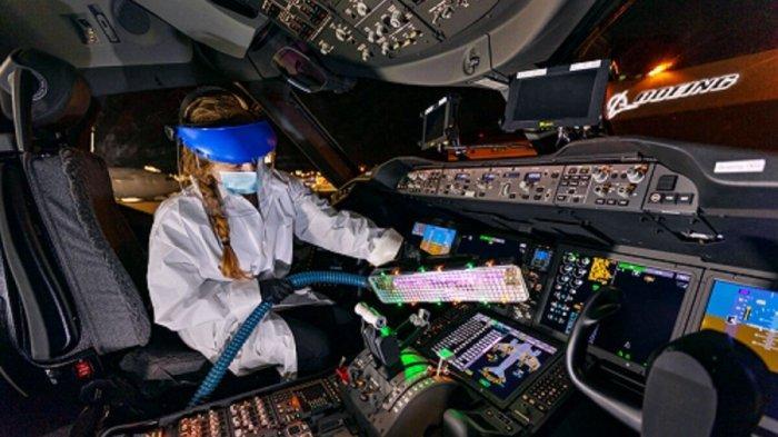 Boeing Patenkan Tongkat Ultraviolet Pembasmi Covid-19 di Kabin Pesawat Terbang
