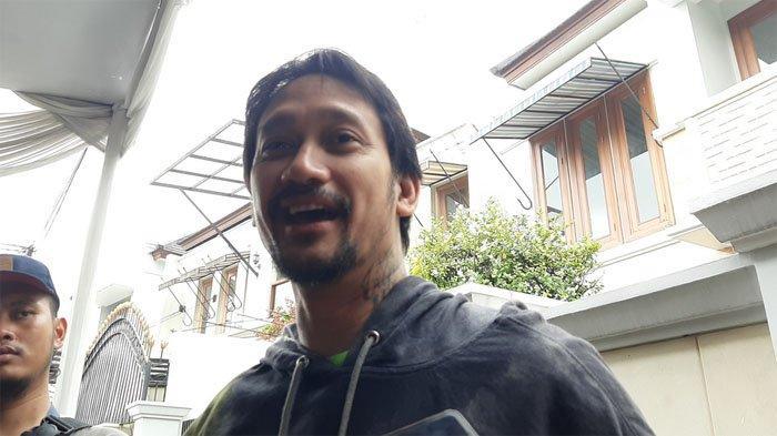 Tora Sudiro Pengin Berkarier Kayak Nicholas Saputra, Tapi Kecebur di Acara Komedi