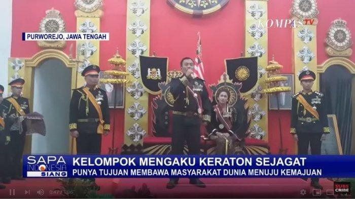 Totok Santosa Hadiningrat Pimpinan Keraton Agung Sejagat Purworejo.