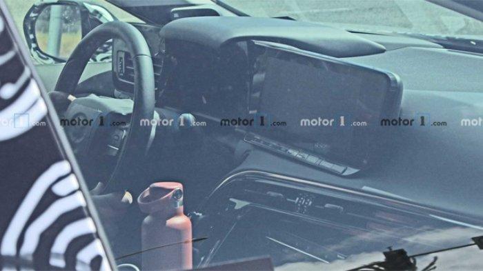 Toyota Mirai generasi terbaru berhasil tertangkap kamera mata-mata sedang melakukan uji coba.