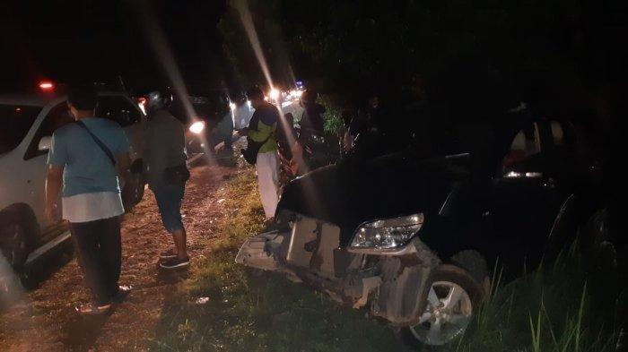 Mobil Dump Truk Tabrakan dengan Toyota Rush, Kedua Kendaraan Rusak Berat, Tak Ada Korban Jiwa
