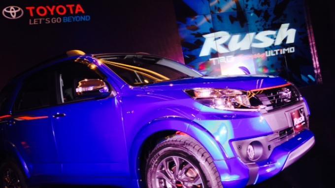 Beda Toyota Rush TRD Sportivo Ultimo dan Sportivo 7
