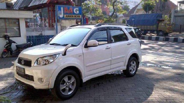 Mobil Toyota Rush