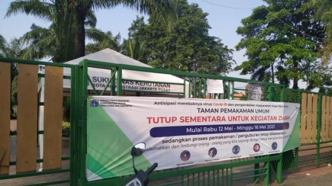 TPU Karet Bivak Tutup Sementara, Petugas Dishub Berjaga-jaga