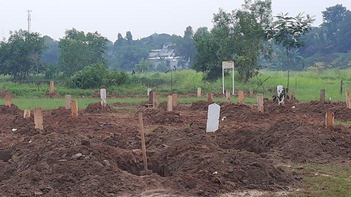 Blok pemakaman untuk jenazah kasus Covid -19 di TPU Padurenan, Kota Bekasi, Jawa Barat.