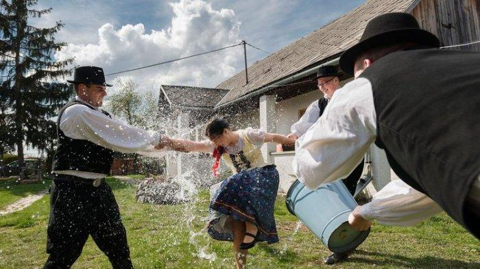 Tradisi Paskah di Slovakia.