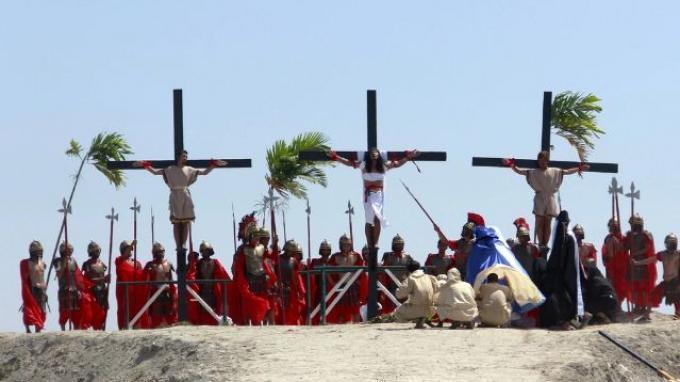 10 Tradisi Paskah di Berbagai Negara: Penyaliban di Filipina hingga Berburu Kelinci di Selandia Baru