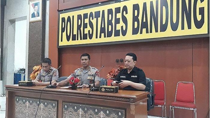 Kapolda Jawa Barat, Irjen Rudy Sufahriadi saat menggelar konferensi pers di Mapolrestabes Bandung, Sumur Bandung, Bandung pada Jumat (23/8/2019)