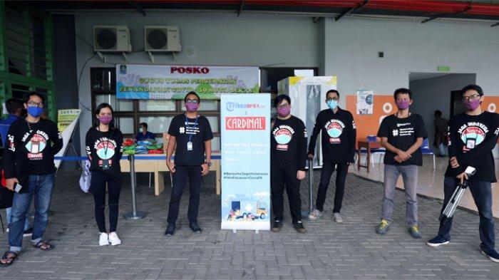 Tribunnews menyerahkan sebanyak 2.000 masker kain non medis melalui posko Gugus Tugas Percepatan Penanganan covid-19 Kota Bekasi, diStadion Patriot Candrabhaga di Jalan Jenderal Ahmad Yani, Bekasi Selatan, Kota Bekasi, Jumat (8/5/2020) sore.