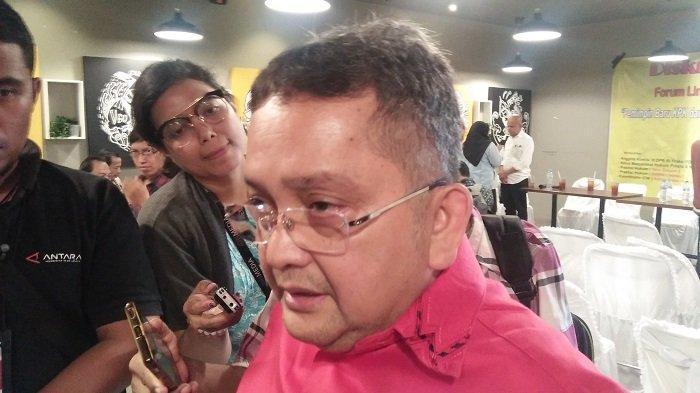 Anggota Komisi III DPR RI dari Fraksi PDI-P Trimedya Panjaitan diskusi di kawasan Cikini Jakarta Pusat pada Rabu (18/12/2019)