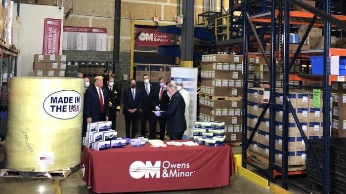 Donald Trump Mengunjungi Pabrik Peralatan Medis Tanpa Mengenakan Masker
