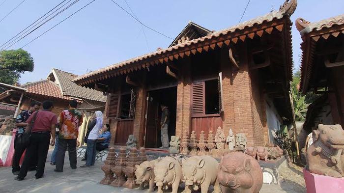 Mau Tahu Bagaimana Bentuk Rumah-rumah Penduduk di Zaman Kerajaan Majapahit? Datanglah ke Desa Ini