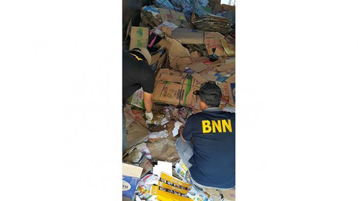BNN Cianjur dan Sukabumi Ungkap Dua Ton Ganja - truk-berisi-ganja_20160219_203221.jpg