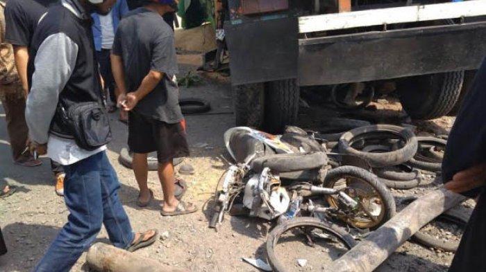 Truk Gandeng Seruduk Enam Kendaraan, 15 Orang Jadi Korban