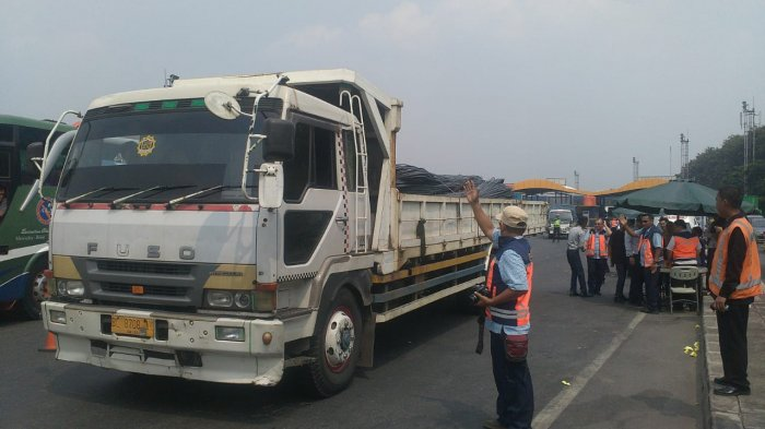 Wakil Ketua Kadin: Pengusaha Truk Juga Resah oleh Truk Overload yang Berkeliaran di Jalan Raya