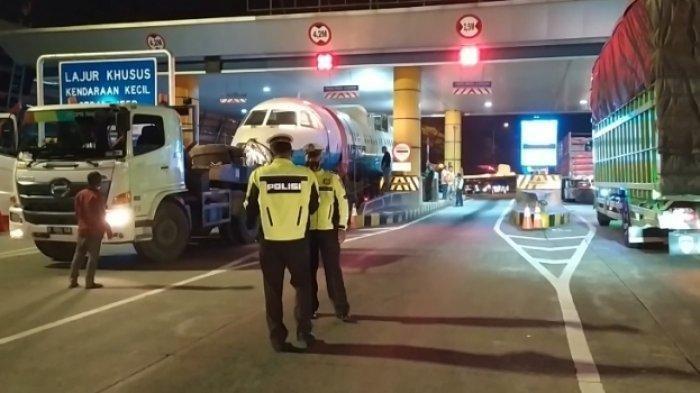 Diangkut ke Yogyakarta, Pesawat N250 Gatotkaca Buatan BJ Habibie Sempat Kesulitan Lewati Gerbang Tol