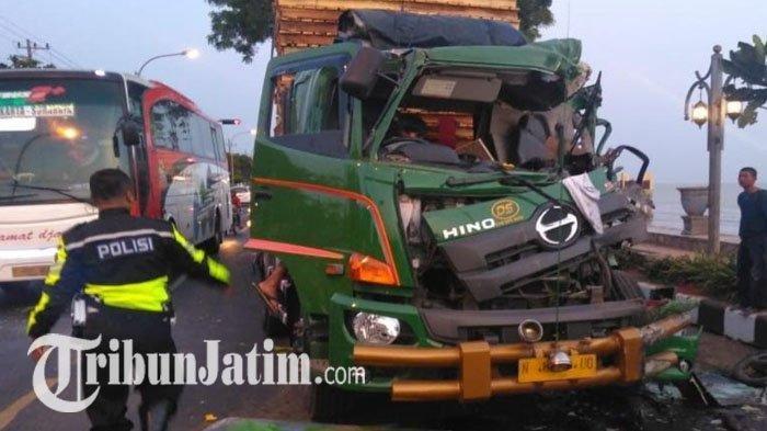 Tabrakan Karambol yang Libatkan 4 Kendaraan di Pantura Tuban-Surabaya Dipicu Pengemudi yang Ngantuk