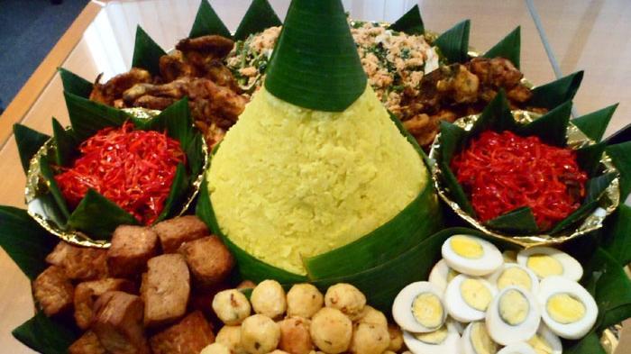 10 Kuliner Khas yang Biasa Disajikan saat Perayaan Hari Kemerdekaan Indonesia
