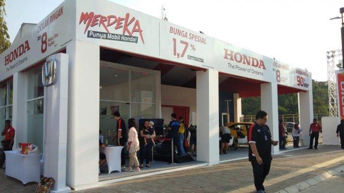 Booth Honda di Otobursa Tumplek Blek di Parkir Timur Senayan, Jakarta, Sabtu (31/8/2019)