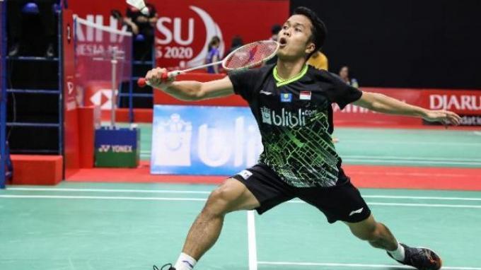 Tunggal putra Indonesia Anthony Sinisuka Ginting saat menghadapi Huang Yu Xiang pada babak perempat final Indonesia Masters 2020, Istora Senayan, Jakarta, Jumat (17/1/2020).