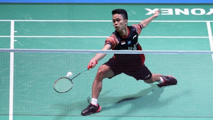 Tunggal putra Indonesia, Anthony Sinisuka Ginting saat berlaga di babak perempat final Jepang Open 2019.