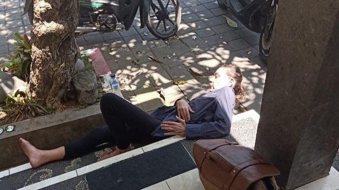 Bule Wanita Ngamuk di Bali, Berusaha Buka Baju dan Lempari Mobil